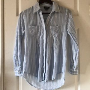Lord and Taylor striped button up shirt blue white